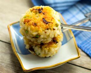 香菇鸡肉米团