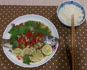 泰式柠檬蒸鲈鱼