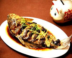 电饭锅蒸鲫鱼