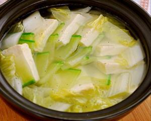青萝卜白菜豆腐汤