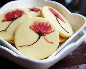 盐渍樱花饼干