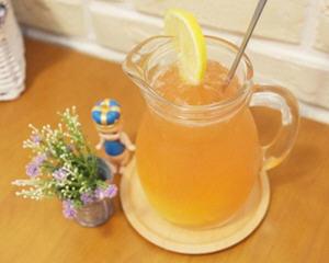 草莓柠檬水(补充维他命C)