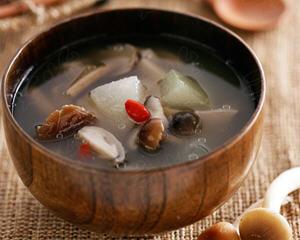 蘑菇冬瓜汤(产妇月子食谱)