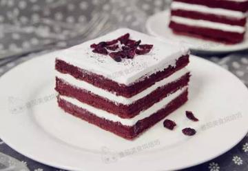 蔓越莓红丝绒蛋糕