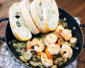 西班牙蘑菇蒜虾