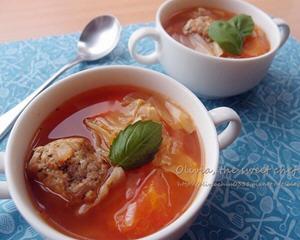 义式小肉丸番茄蔬菜汤