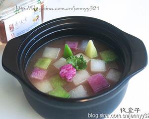 赤味噌三色萝卜汤