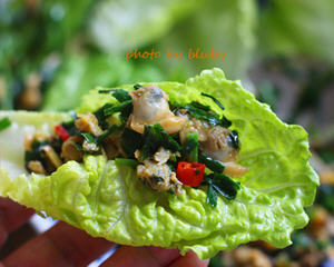 韭菜蚬肉生菜包
