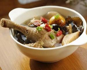 香菇木耳鸡汤