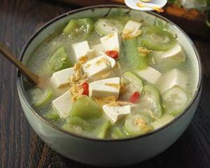 丝瓜豆腐汤(美白肌肤)