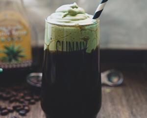 抹茶海盐奶盖龙舌兰黑咖啡