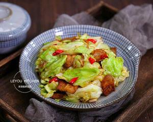 圆白菜炒五花肉