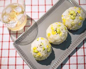 奶油玉米毛豆手捏饭团