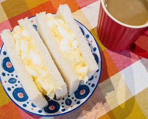 水煮蛋沙拉三明治