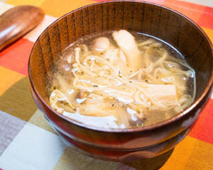 清炖金针菇汤