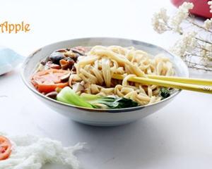 素食香菇汤面条简单易学