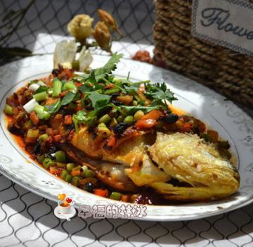 老干妈豆豉煎黄花鱼1