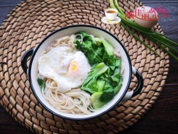 青菜荷包蛋煮面条1