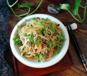 黄瓜拌绿豆芽家常做法2