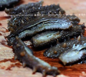 鲜辣椒炒海参的家常做法7