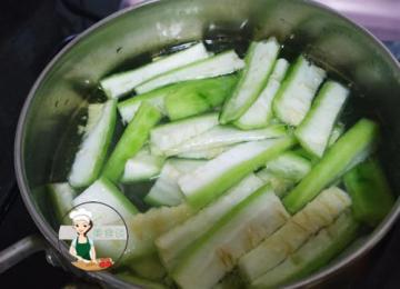 丝瓜菌菇汤的家常做法4