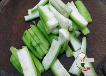 丝瓜菌菇汤的家常做法6