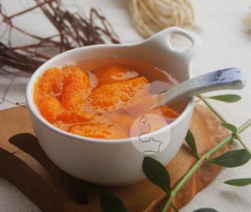 糖水杏(夏日冰凉开胃的水果甜汤)1