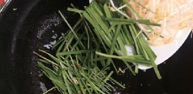 韭菜炒馓子3