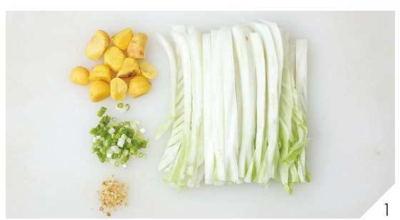 白菜根炒栗子1