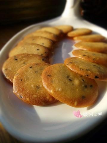 脆饼的做法窍门-最正宗的芝麻小脆饼的做法步骤图解3