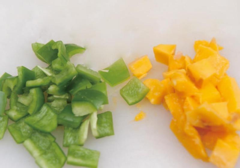 青椒芒果炒鸡肉2
