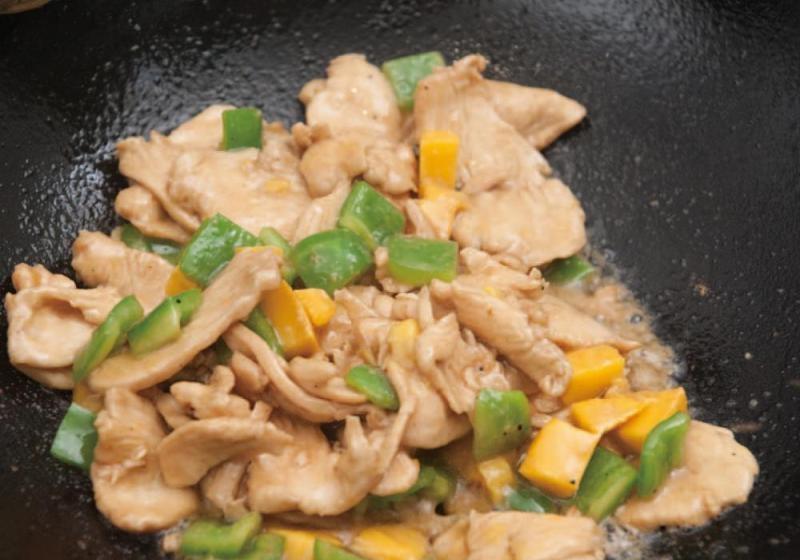 青椒芒果炒鸡肉5