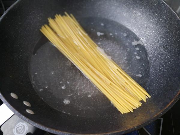 青椒牛柳意大利面的做法技巧和步骤2