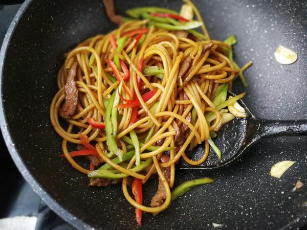 青椒牛柳意大利面的做法技巧和步骤7