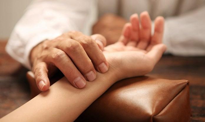 手腕脱臼-怎么判断手腕是否脱臼?2