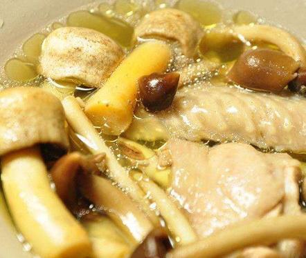 用鸡丝煲鸡汤好喝吗?4