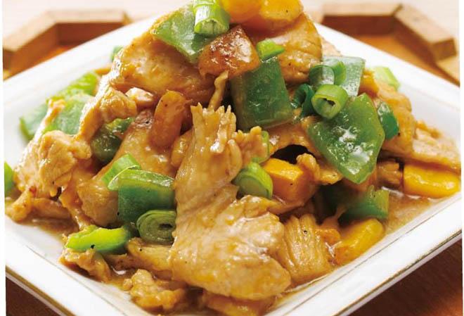青椒芒果炒鸡肉